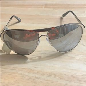 Accessories - Women's UNISEX sunglasses  perfect for summer NWT